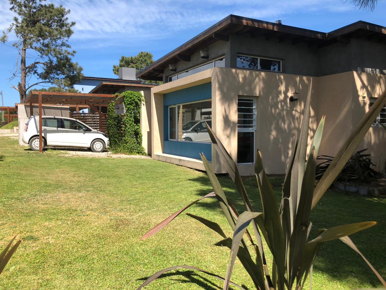 Casa 1 – de 3 ambientes c/piscina (5 mayores)