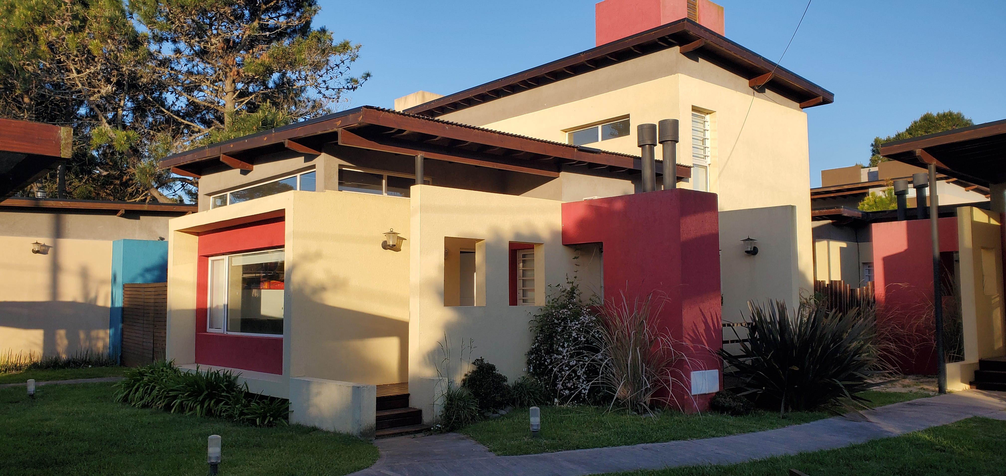 Casa 4 – 3 ambientes c/piscina (4 adultos y 2 niños)
